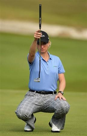 SHIMA, JAPAN - NOVEMBER 07:  Karrie Webb of Australia lines up a putt on the 17th hole during the first round of 2008 Mizuno Classic at Kintetsu Kashikojima Country Club on November 7, 2008 in Shima, Mie, Japan.  (Photo by Koichi Kamoshida/Getty Images)