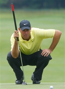 CROMWELL, CT - JUNE 22:  Stewart Cink reads a green during the final round of the Travelers Championship at TPC River Highlands held on June 22, 2008 in Cromwell, Connecticut. (Photo by Jim Rogash/Getty Images)