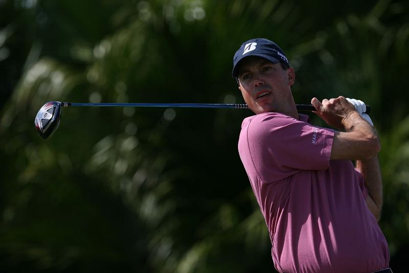 DORAL, FL - MARCH 14:  Matt Kuchar tees off on the eighth tee box during the final round of the 2010 WGC-CA Championship at the TPC Blue Monster at Doral on March 14, 2010 in Doral, Florida.  (Photo by Doug Benc/Getty Images)