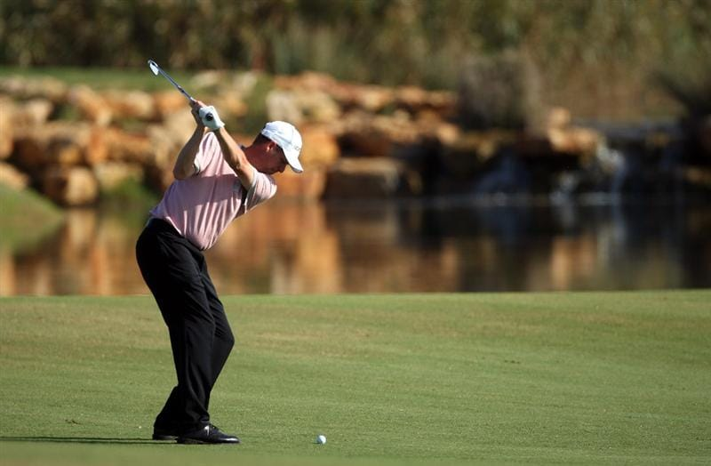 VILAMOURA, PORTUGAL - OCTOBER 15:  Anders Hansen of Denmark plays his third shot on the 17th hole during the first round of the Portugal Masters at the Oceanico Victoria Golf Course on October 15, 2009 in Vilamoura, Portugal.  (Photo by Andrew Redington/Getty Images)