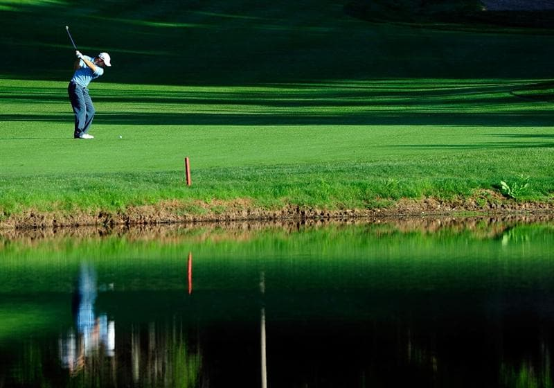 PALM HARBOR, FL - MARCH 20:  Trevor Immelman of South Africa plays a shot on the 2nd hole during the second round of the Transitions Championship at the Innisbrook Resort and Golf Club on March 20, 2009 in Palm Harbor, Florida.  (Photo by Sam Greenwood/Getty Images)