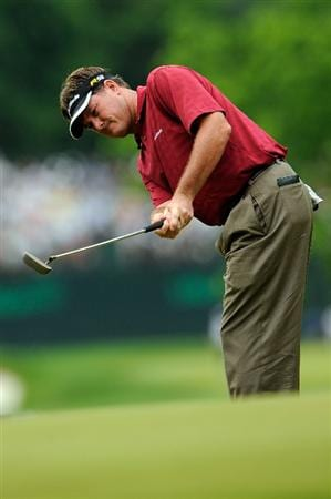FARMINGDALE, NY - JUNE 20:  Todd Hamilton putts on the 15th green during the continuation of the second round of the 109th U.S. Open on the Black Course at Bethpage State Park on June 20, 2009 in Farmingdale, New York.  (Photo by Sam Greenwood/Getty Images)