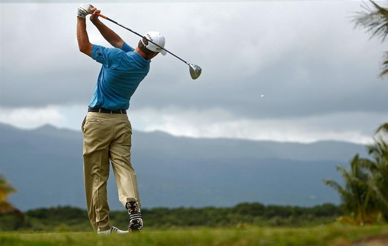 RIO GRANDE, PR - MARCH 12:  Charles Howell III hits his tee shot on the second hole during the first round of the 2009 Puerto Rico Open presented by Banco Popular on March 12, 2009 at the Trump International Golf Club in Rio Grande, Puerto Rico.  (Photo by Mike Ehrmann/Getty Images)
