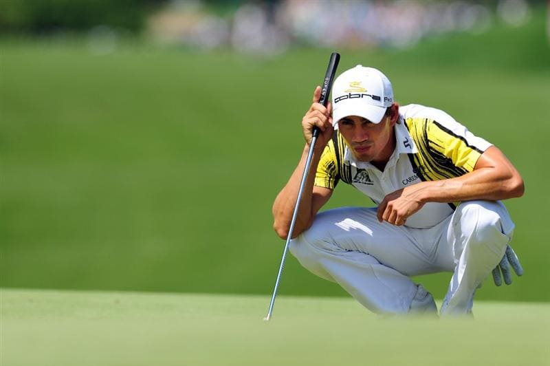 CHASKA, MN - AUGUST 14:  Camilo Villegas of Colombia lines up a putt on the third green during the second round of the 91st PGA Championship at Hazeltine National Golf Club on August 14, 2009 in Chaska, Minnesota.  (Photo by Stuart Franklin/Getty Images)
