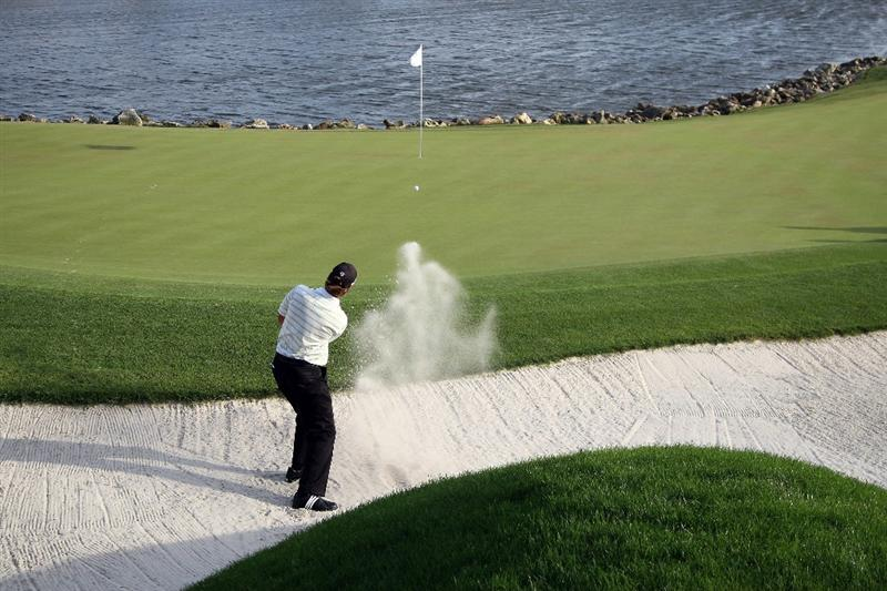 ORLANDO, FL - MARCH 28:  Sean O'Hair of the USA plays his third shot at the 18th hole during the third round of the Arnold Palmer Invitational Presented by Mastercard at the Bay Hill Club and Lodge on March 28, 2009 in Orlando, Florida  (Photo by David Cannon/Getty Images)