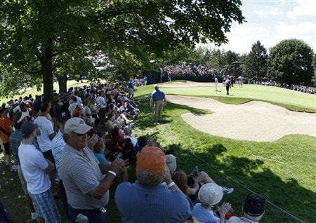 GRAND BLANC, MI - JUNE 28: fans clap after Fredrik Jacobson puts on the ninth green during the third round of the Buick Open at Warwick Hills Golf and Country Club on June 28, 2008 in Grand Blanc, Michigan.  (Photo by Gregory Shamus/Getty Images)