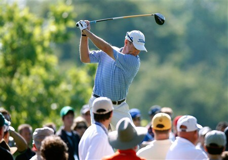 BLOOMFIELD HILLS, MI - AUGUST 07:  Davis Love III hits his tee shot on the 14th hole during round one of the 90th PGA Championship at Oakland Hills Country Club on August 7, 2008 in Bloomfield Township, Michigan.  (Photo by Gregory Shamus/Getty Images)