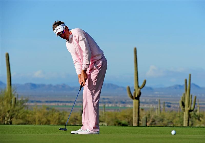 MARANA, AZ - FEBRUARY 21:  Ian Poulter of England putting on the fifth hole during final round of the Accenture Match Play Championship at the Ritz-Carlton Golf Club at  on February 21, 2010 in Marana, Arizona.  (Photo by Stuart Franklin/Getty Images)