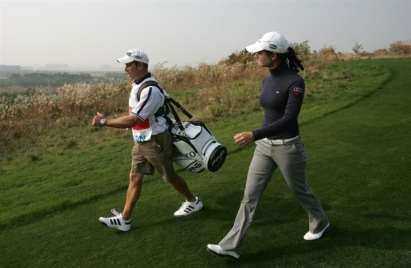 INCHEON, SOUTH KOREA - NOVEMBER 01:  Lorena Ochoa of Mexico in the 8th hole during  round one of Hana Bank Kolon Championship at Sky 72 Golf Club on October 30, 2009 in Incheon, South Korea.  (Photo by Chung Sung-Jun/Getty Images)
