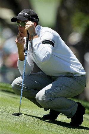 PEBBLE BEACH, CA - JUNE 17:  Henrik Stenson of Sweden lines up his putt on the 14th hole during the first round of the 110th U.S. Open at Pebble Beach Golf Links on June 17, 2010 in Pebble Beach, California.  (Photo by Stephen Dunn/Getty Images)