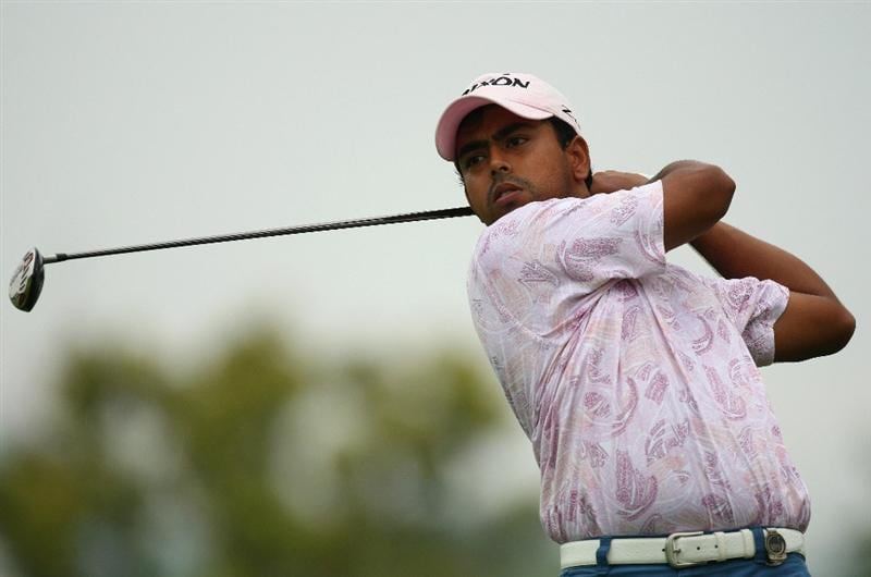 SINGAPORE - NOVEMBER 13:  Anirban Lahiri of India in action during the first round of the Barclays Singapore Open at Sentosa Golf Club on November 13, 2008 in Singapore.  (Photo by Ian Walton/Getty Images)
