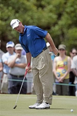 AVONDALE, LA - APRIL 26: Jerry Kelly reacts after missing a birdie putt on the 1st hole during the final round of the Zurich Classic at TPC Louisiana on April 26, 2009  in Avondale, Louisiana. (Photo by Dave Martin/Getty Images)