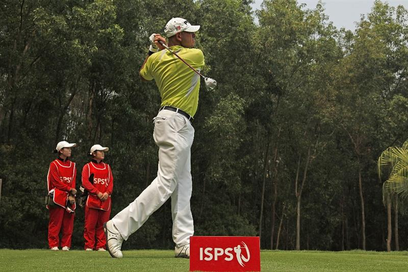 SHENZHEN, CHINA - MARCH 13:  Peter Fowler of Australia in action during the final round of the ISPS Handa Senior World Championship presented by Mission Hills China and played on the World Cup Course, Mission Hills on March 13, 2011 in Shenzhen, Guangdong.  (Photo by Phil Inglis/Getty Images)