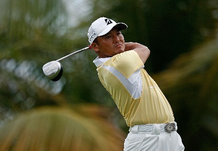 RIO GRANDE, PUERTO RICO - MARCH 20:  Shigeki Maruyama of Japan hits his tee shot on the 10th hole during the first round of the Puerto Rico Open presented by Banco Popular held on March 20, 2008 at Coco Beach Golf & Country Club in Rio Grande, Puerto Rico.  (Photo by Mike Ehrmann/Getty Images)