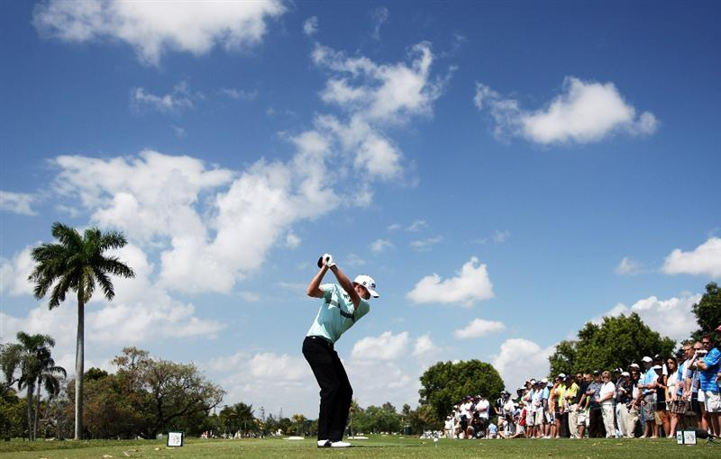 DORAL, FL - MARCH 14:  Nick Watney of the USA drives at the second hole during the third round of the World Golf Championships-CA Championship at the Doral Golf Resort & Spa on March 14, 2009 in Miami, Florida  (Photo by David Cannon/Getty Images)