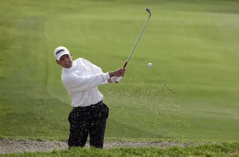 LA JOLLA, CA - FEBRUARY 06: Kevin Sutherland hits out of the bunker during the 2nd Round of the Buick Invitational at the Torrey Pines North Course on February 6, 2009 in La Jolla, California. (Photo by Donald Miralle/Getty Images)