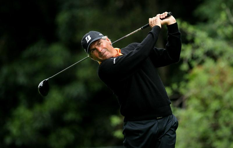 PACIFIC PALISADES, CA - FEBRUARY 18: Fred Couples hits his tee shot on the 12th hole during round two of the Northern Trust Open at Riviera Country Club on February 18, 2011 in Pacific Palisades, California. (Photo by Stephen Dunn/Getty Images)
