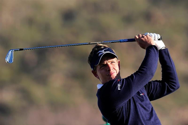 MARANA, AZ - FEBRUARY 16:  Luke Donald of England hits a shot during the second practice round prior to the start of the Accenture Match Play Championship at the Ritz-Carlton Golf Club on February 16, 2010 in Marana, Arizona.  (Photo by Stuart Franklin/Getty Images)