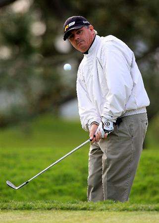 LA JOLLA, CA - FEBRUARY 05:  Paul Goydos hits a shot on the first hole on the South Course during the first round of the Buick Invitational at the Torrey Pines Golf Course on February 5, 2009 in La Jolla, California.  (Photo by Scott Halleran/Getty Images)