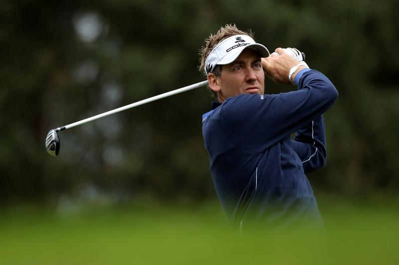 VIRGINIA WATER, ENGLAND - MAY 27:  Ian Poulter of England tees off during the second round of the BMW PGA Championship at the Wentworth Club on May 27, 2011 in Virginia Water, England.  (Photo by Warren Little/Getty Images)