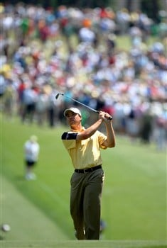 AUGUSTA, GA - APRIL 11:  Arron Oberholser watches his second shot on the first hole during the second round of the 2008 Masters Tournament at Augusta National Golf Club on April 11, 2008 in Augusta, Georgia.  (Photo by Andrew Redington/Getty Images)
