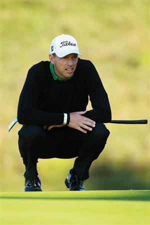 CRANS, SWITZERLAND - SEPTEMBER 03:  Soren Hansen of Denmark lines up a putt on the 13th green during the second round of The Omega European Masters at Crans-Sur-Sierre Golf Club on September 3, 2010 in Crans Montana, Switzerland.  (Photo by Warren Little/Getty Images)