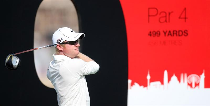 DUBAI, UNITED ARAB EMIRATES - NOVEMBER 18:  Simon Dyson of England on the 9th tee during a practice round prior to the Dubai World Championships on the Earth Course, Jumeriah Golf Estates on November 18, 2009 in Dubai, United Arab Emirates.  (Photo by Ross Kinnaird/Getty Images)