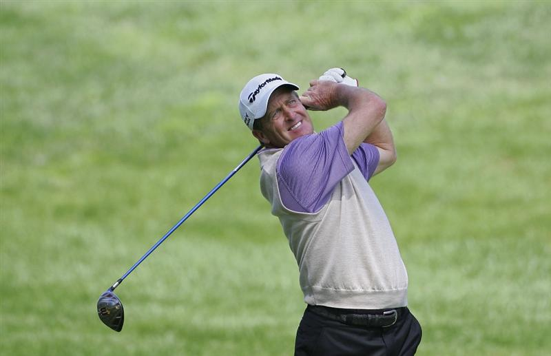 TIMONIUM, MD - OCTOBER 01:  Fred Funk hits a drive during the first round of the Constellation Energy Senior Players Championship at Baltimore Country Club/Five Farms (East Course) held on October 1, 2009 in Timonium, Maryland  (Photo by Michael Cohen/Getty Images)