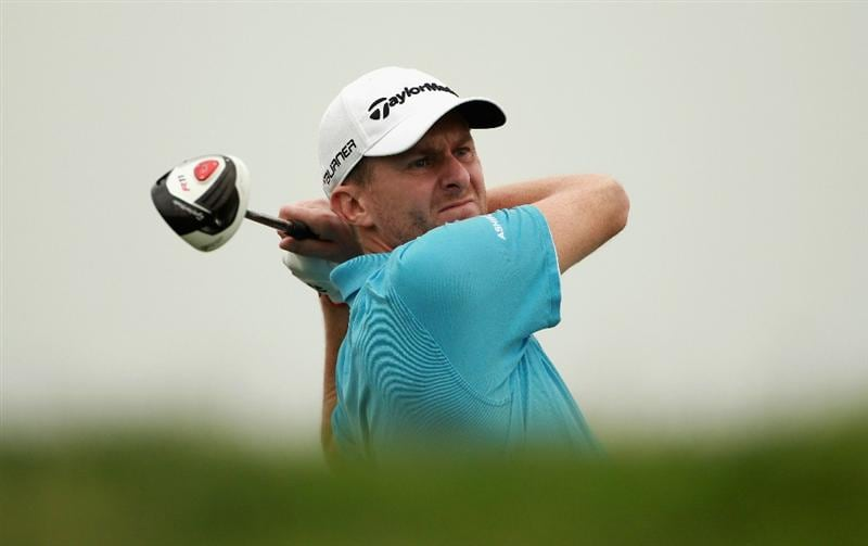 ABU DHABI, UNITED ARAB EMIRATES - JANUARY 21:  David Lynn of England in action during the second round of The Abu Dhabi HSBC Golf Championship at Abu Dhabi Golf Club on January 21, 2011 in Abu Dhabi, United Arab Emirates.  (Photo by Andrew Redington/Getty Images)