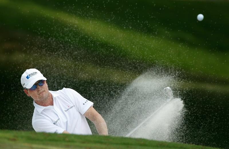 FT. WORTH, TX - MAY 30:  Zach Johnson plays a bunker shot on the 14th hole during the final round of the 2010 Crowne Plaza Invitational at the Colonial Country Club on May 30, 2010 in Ft. Worth, Texas.  (Photo by Scott Halleran/Getty Images)