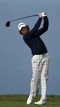LA JOLLA, CA - FEBRUARY 05:   Aaron Baddeley of Australia tees off during the 1st Round of the Buick Invitational at the Torrey Pines North Course on February 5, 2009 in La Jolla, California. (Photo by Donald Miralle/Getty Images)