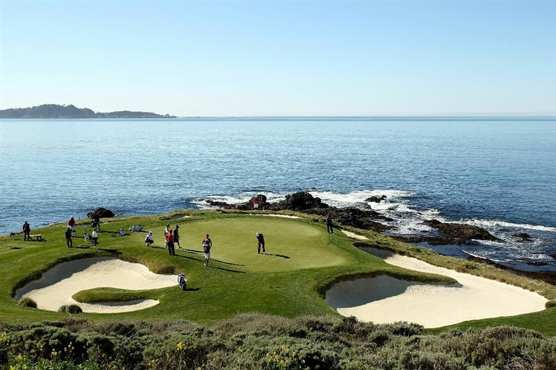 PEBBLE BEACH, CA - FEBRUARY 12:  Dustin Johnson putts on the 7th hole during the third round of the AT&T Pebble Beach National Pro-Am at the Pebble Beach Golf Links on February 12, 2011 in Pebble Beach, California.  (Photo by Ezra Shaw/Getty Images)