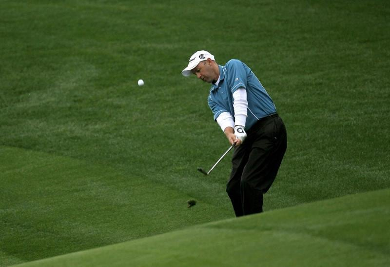 LA QUINTA, CA - JANUARY 22:  Cameron Percy of Australia hits onto the green on the 16th hole at Silver Rock Resort during the second round of the Bob Hope Classic on January 22, 2010 in La Quinta, California.  (Photo by Stephen Dunn/Getty Images)