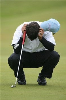 SOUTHPORT, UNITED KINGDOM - JULY 18:  Pablo Larrazabal of Spain reacts to a missed putt on the 6th green during the second round of the 137th Open Championship on July 18, 2008 at Royal Birkdale Golf Club, Southport, England.  (Photo by Andy Lyons/Getty Images)