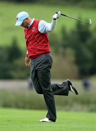 NEWPORT, WALES - OCTOBER 03:  Stewart Cink of the USA reacts to his approach shot on the 12th hole during the  Fourball & Foursome Matches during the 2010 Ryder Cup at the Celtic Manor Resort on October 3, 2010 in Newport, Wales.  (Photo by Andy Lyons/Getty Images)