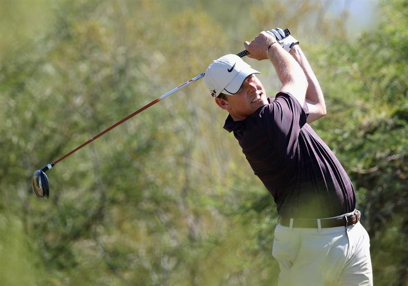 SCOTTSDALE, AZ - OCTOBER 24:  Justin Leonard hits a tee shot on the second hole during the third round of the Frys.com Open at Grayhawk Golf Club on October 24, 2009 in Scottsdale, Arizona.  (Photo by Christian Petersen/Getty Images)