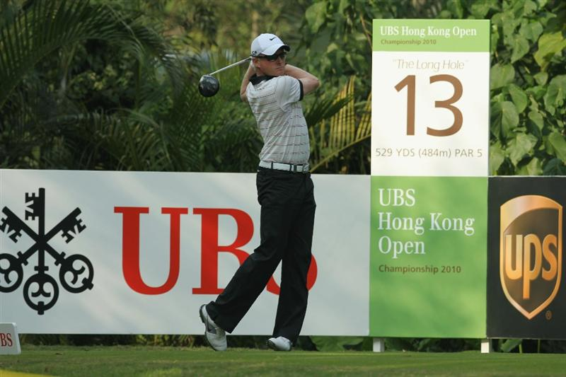 HONG KONG - NOVEMBER 21:  Simon Dyson of England in action during day four of the UBS Hong Kong Open at The Hong Kong Golf Club on November 21, 2010 in Hong Kong, Hong Kong.  (Photo by Stanley Chou/Getty Images)