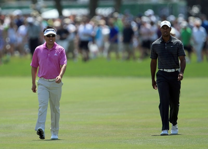 Charlie Wi and Tiger Woods