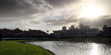 DUBAI, UNITED ARAB EMIRATES - FEBRUARY 02:  The sun sets over the green at  the 18th hole during the third round of the Dubai Desert Classic, on the Majilis Course at the Emirates Golf Club, on February 2, 2008 in Dubai, United Arab Emirates.  (Photo by David Cannon/Getty Images)