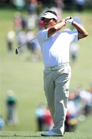 AUGUSTA, GA - APRIL 07:  K.J. Choi of Korea hits his second shot on the first hole during the first round of the 2011 Masters Tournament at Augusta National Golf Club on April 7, 2011 in Augusta, Georgia.  (Photo by Andrew Redington/Getty Images)