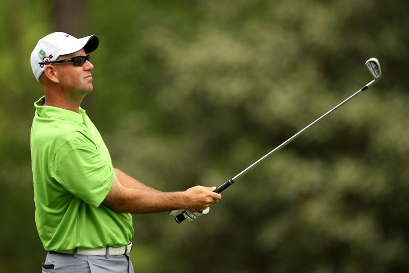 AUGUSTA, GA - APRIL 08:  Stewart Cink watches a shot on the fifth hole during the first round of the 2010 Masters Tournament at Augusta National Golf Club on April 8, 2010 in Augusta, Georgia.  (Photo by Andrew Redington/Getty Images)