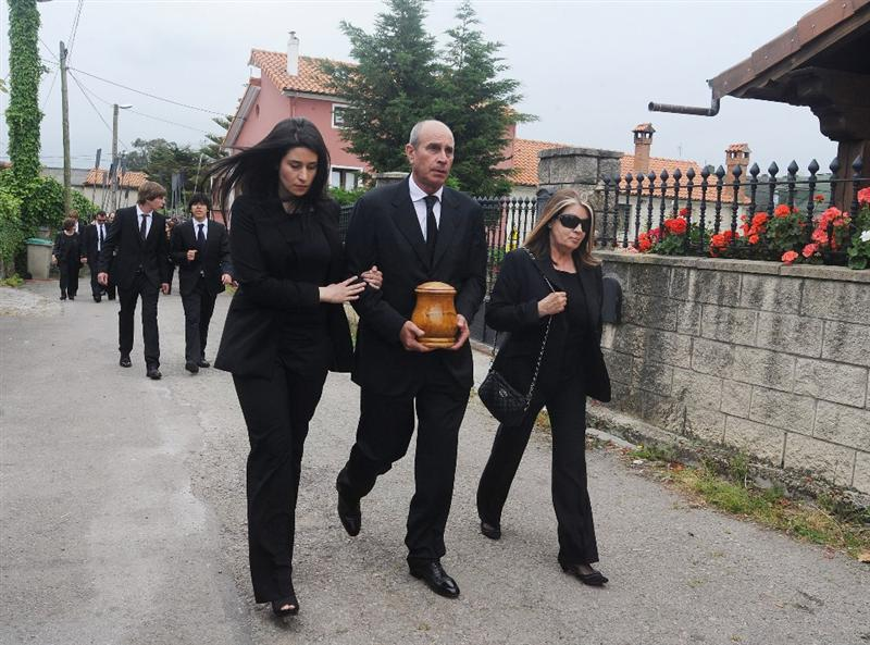 PEDRENA, SPAIN - MAY 11:  Baldomino Ballesteros carries the ashes of his brother Seve Ballesteros during the funeral service held for legendary Spanish golfer Seve Ballesteros on May 11, 2011 in Pedrena, Spain. Top-ranked golf players have joined