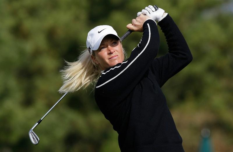 INCHEON, SOUTH KOREA - OCTOBER 31:  Suzann Pettersen of Norway hits a tee shot on the 3rd hole during the 2010 LPGA Hana Bank Championship at Sky 72 Golf Club on October 31, 2010 in Incheon, South Korea.  (Photo by Chung Sung-Jun/Getty Images)