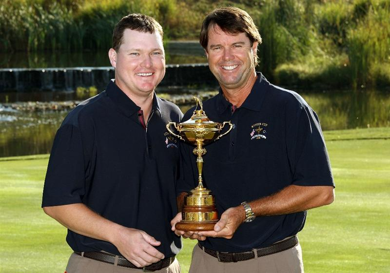 LOUISVILLE, KY - SEPTEMBER 17:  Chad Campbell of the USA team (L) poses with team captain Paul Azinger during the USA team photo shoot prior to the 2008 Ryder Cup at Valhalla Golf Club on September 17, 2008 in Louisville, Kentucky.  (Photo by David Cannon/Getty Images)