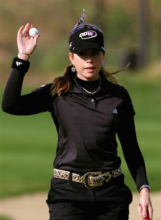 INCHEON, SOUTH KOREA - NOVEMBER 01:  Paula Creamer of United States reacts after her par putt on the 9th hole during round two of the Hana Bank KOLON Championship at Sky72 Golf Club on November 1, 2008 in Incheon, South Korea.  (Photo by Chung Sung-Jun/Getty Images)