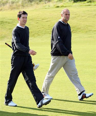 KINGSBARNS, UNITED KINGDOM - SEPTEMBER 30:  Sir Steve Redgrave and Tim Henman walk down the first fairway during the practice round of The Alfred Dunhill Links Championship at Kingsbarns Golf Links on September 30, 2008 in Kingbarns, Scotland. (Photo by Andrew Redington/Gettyimages)