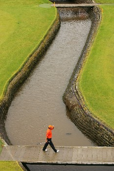 CARNOUSTIE, UNITED KINGDOM - JULY 22:  Won Joon Lee of Australia walks to the 18th green during the final round of The 136th Open Championship at the Carnoustie Golf Club on July 22, 2007 in Carnoustie, Scotland.  (Photo by Warren Little/Getty Images)