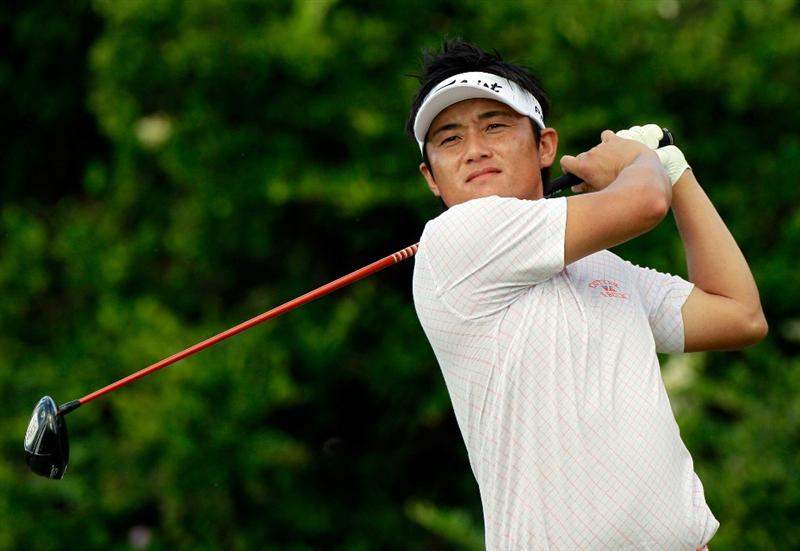 HONOLULU, HI - JANUARY 15:  Ryuji Imada of Japan plays a shot on the 6th hole during the second round of the Sony Open at Waialae Country Club on January 15, 2011 in Honolulu, Hawaii.  (Photo by Sam Greenwood/Getty Images)