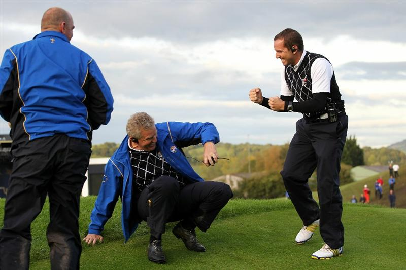 NEWPORT, WALES - OCTOBER 03:  Europe Captain Colin Montgomerie (L) reacts with Vice Captain Sergio Garcia during the  Fourball & Foursome Matches during the 2010 Ryder Cup at the Celtic Manor Resort on October 3, 2010 in Newport, Wales.  (Photo by Jamie Squire/Getty Images)