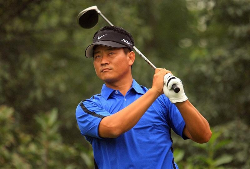 SHANGHAI, CHINA - NOVEMBER 06:  K.J. Choi of South Korea hits his tee shot on the fifth hole during the first round of the HSBC Champions at Sheshan International Golf Club on November 6, 2008 in Shanghai, China.  (Photo by Scott Halleran/Getty Images)